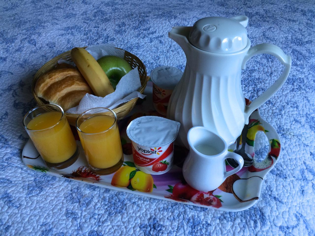Breakfast_Hofsas_house