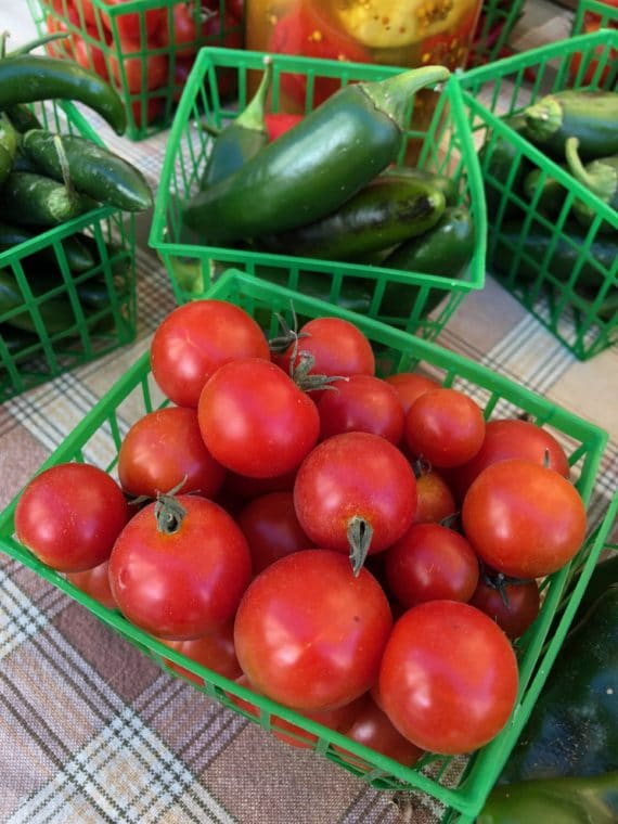 There are so many great farmers markets in Los Angeles! #farmersmarket #losangeles #tomato