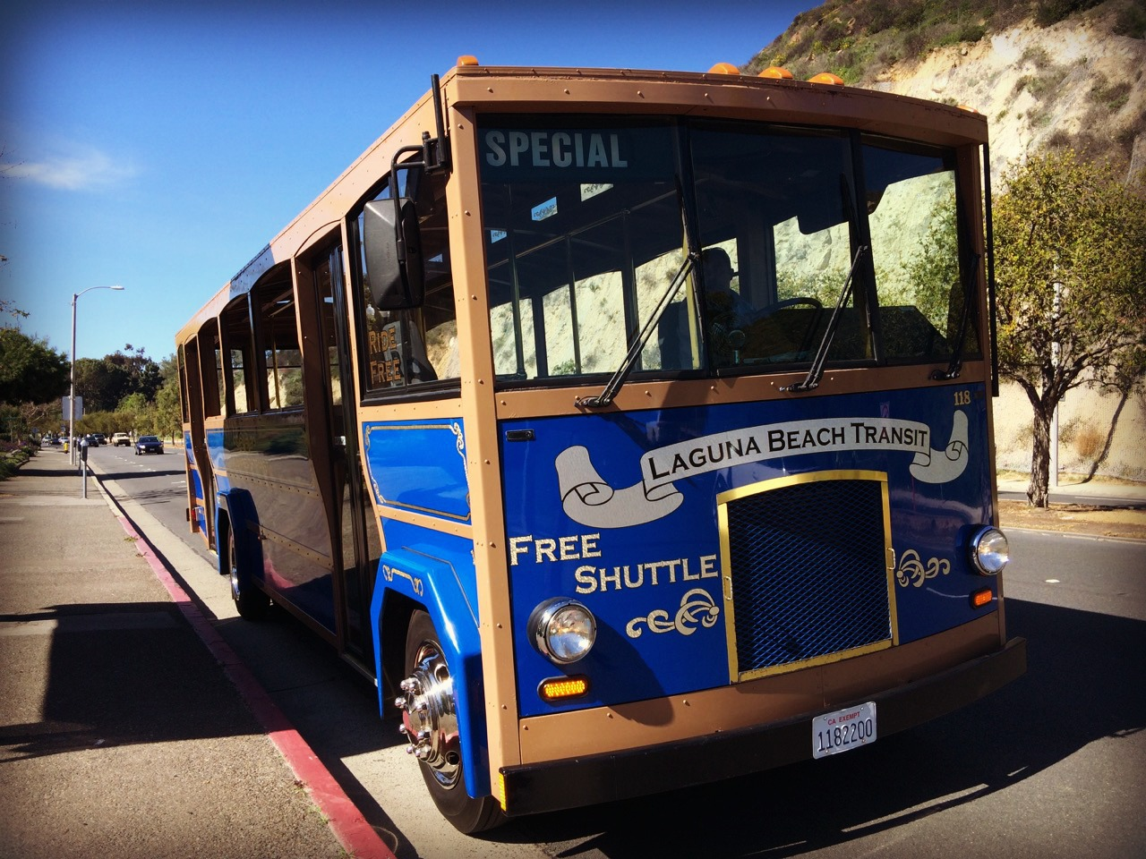 Laguna_Beach_free_trolley