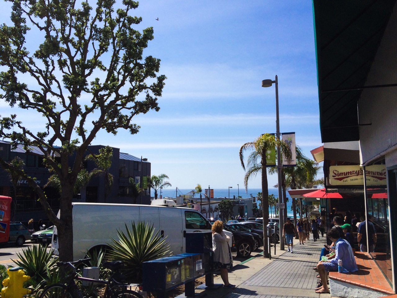View mall directory info for Manhattan Village in Manhattan Beach, CA – including stores, hours of operation, phone numbers, and more.