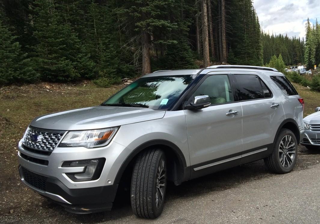 Parallel-Parking-ford-explorer-lake-morraine