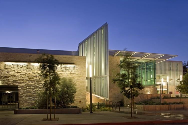 Silverlake Library