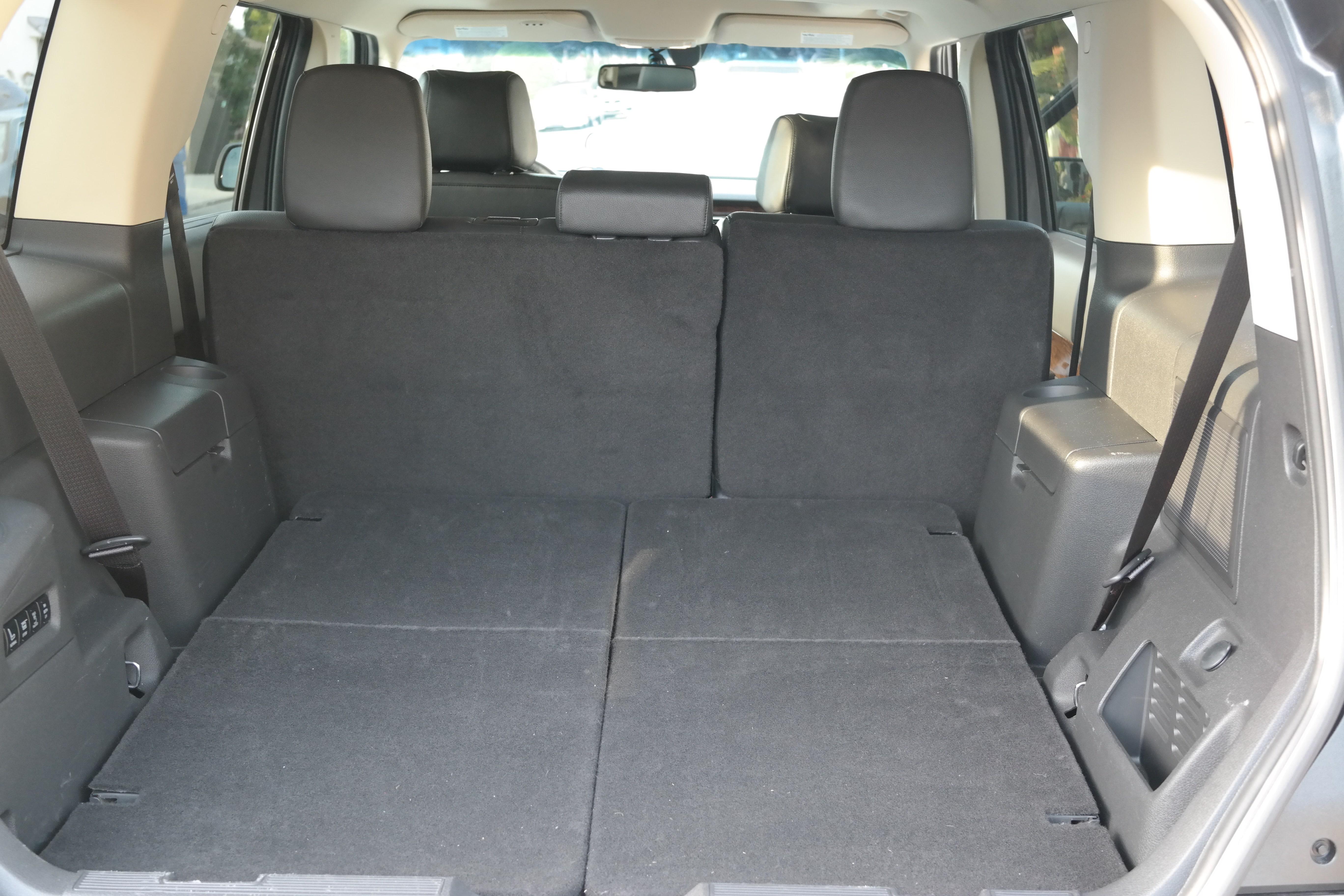 Ford Flex trunk empty
