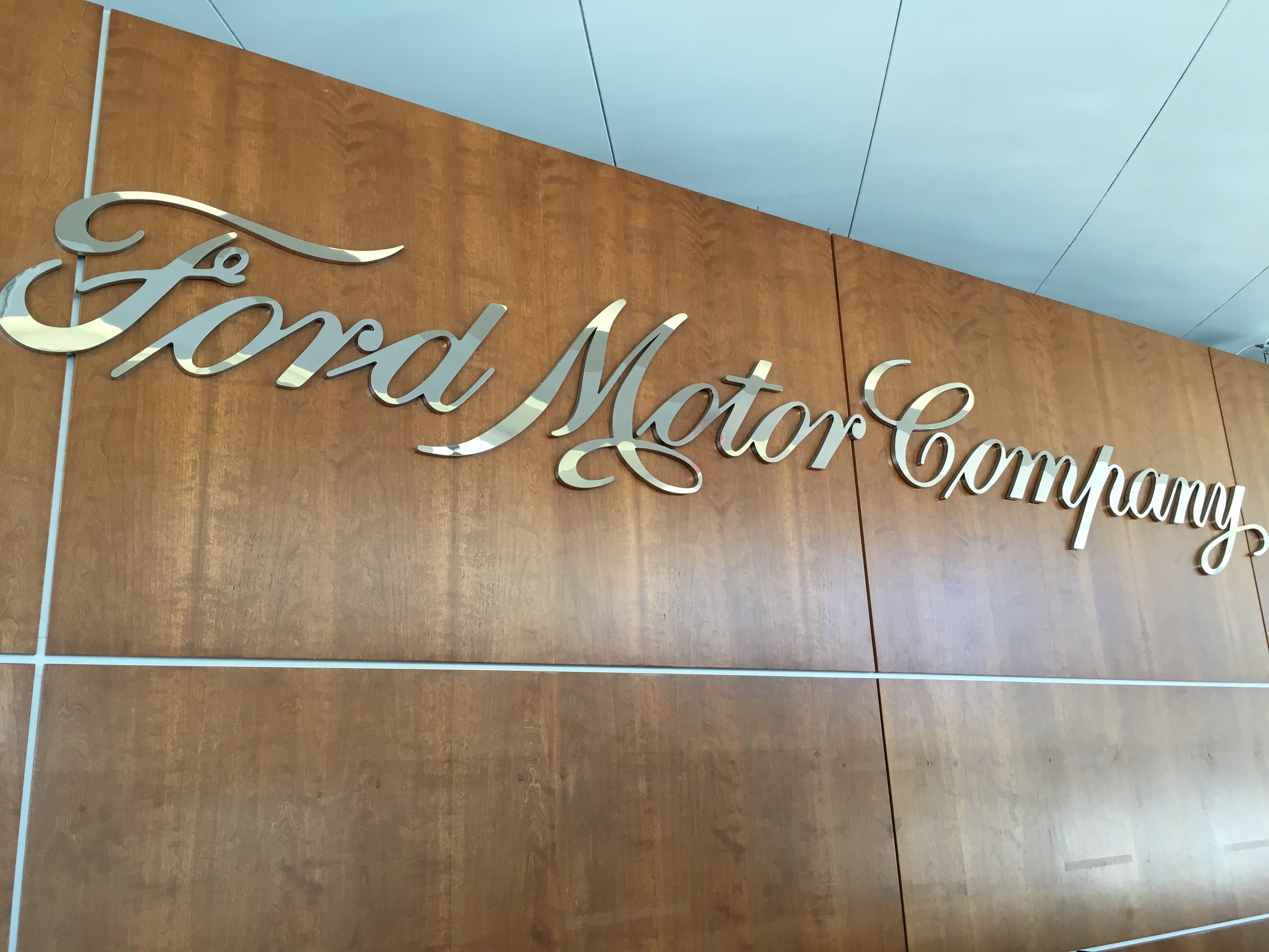 ford-motor-company-nameplate