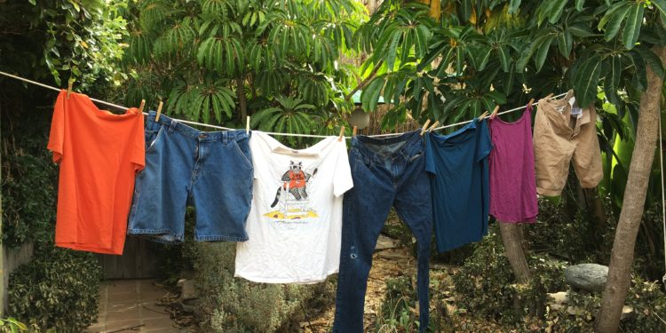 laundry-on-the-clothesline-energy-upgrade-california