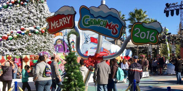 Merry Grinchmas 2016 at Universal Studios