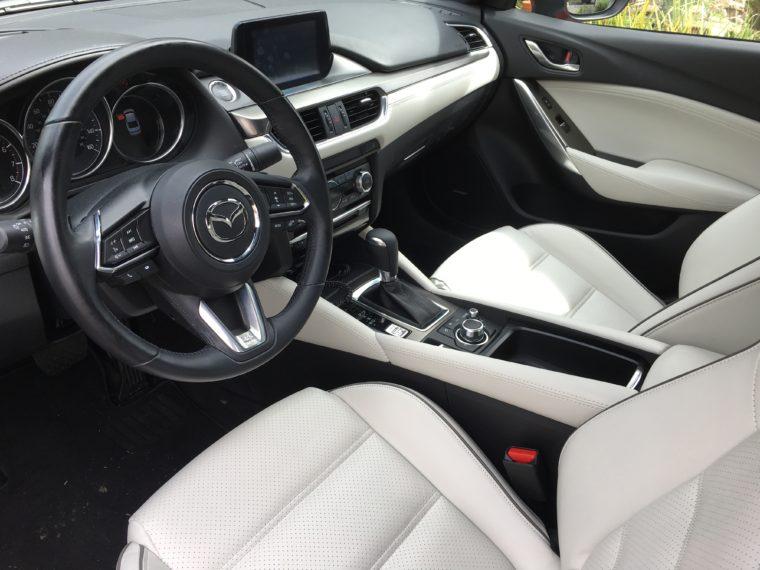 interior front seat Mazda 6