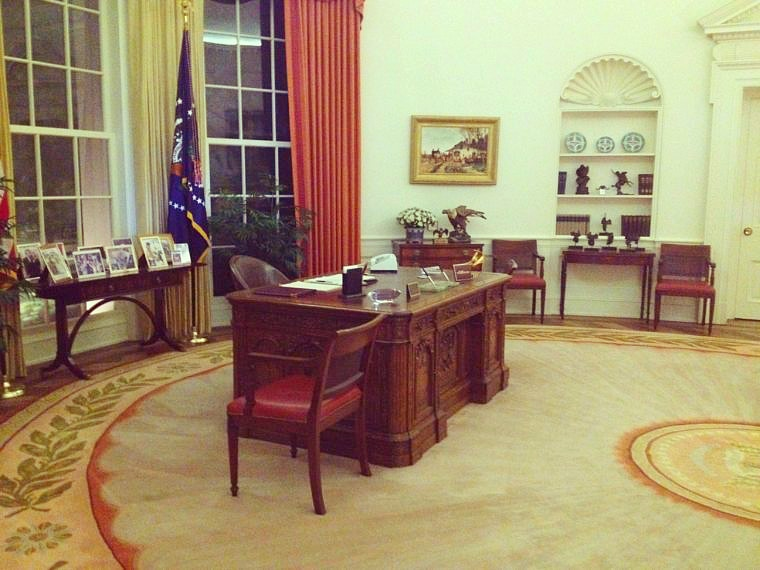 Oval Office at the Reagan Library (photo by Wendy Kennar)