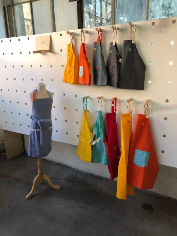 If you need a gift for a chef or anyone who loves to cook, head to Hedley and Bennet online or in person in LA. #apron #chef #chefgifts