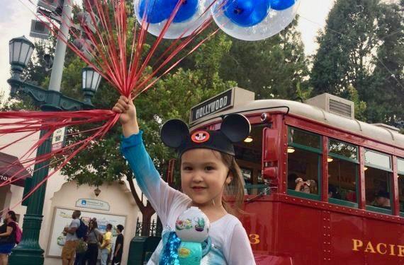 Tips for taking toddlers to Disneyland. #disneyland #anaheim #familytravel #amusmentparks
