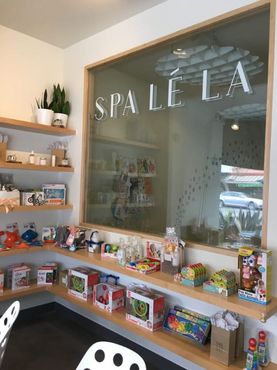 Spa le La in Los Angeles is not just a beautiful spa - it offers childcare! Moms can enjoy a little self care while their kids play. #losangeles #spa #momlife #selfcare