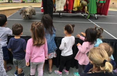 Kids Club at The Paseo is one of the fun FREE kids clubs in and around Los Angeles. Kids will enjoy puppet shows, musical performances, crafts and more. #Losangeles #kidsevents #pasadena #californiawithkids