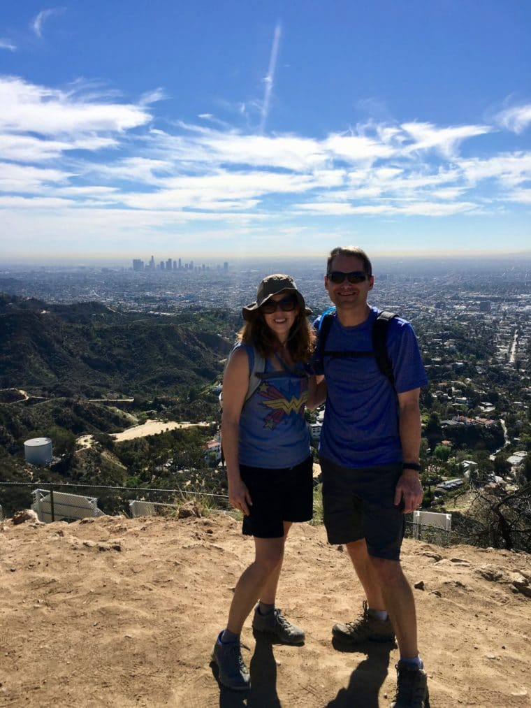 Hiking to the Hollywood Sign is one of the fun date day activities in Los Angeles. #dateday #datenight #datenightlosangeles #datedaylosangeles #losangeles #hollywoodsign