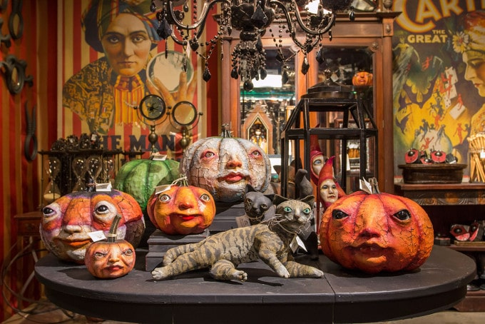 Rogers Gardens is one of the great places in Southern California to get Halloween Decorations. #halloween #costumes #halloweendecorations