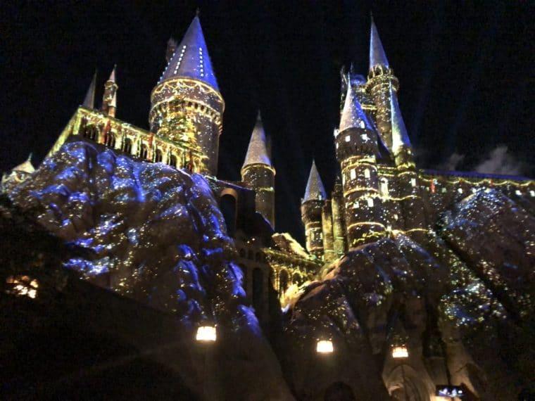 Hogwarts castle during the Christmas light show. #universalstudios #wizardingworldchristmas #harrypotterchristmas