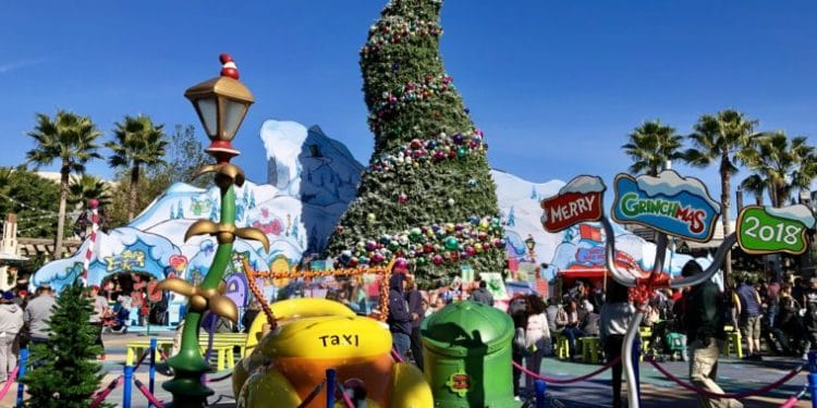 Universal Studios Hollywood is all decked out for the holidays! #universal studios #Christmasuniversalstudios #christmastree #familytravel