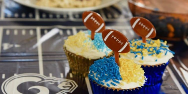 LA Rams Cupcakes are some of the fun treats to make for Super Bowl 2019. #LArams #rams #superbowl