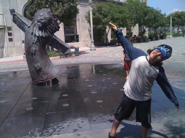 kid at culver city fountain