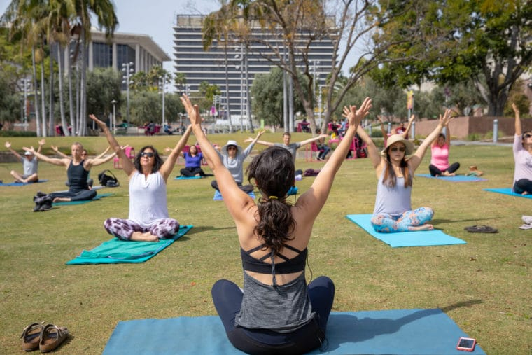 There are some amazing places to yoga in Los Angeles! We have a list of studios and special events all over Los Angeles. #yoga #losangeles #yogaoutside