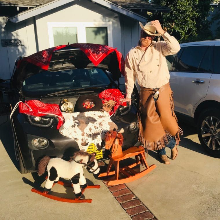 Lake Balboa Trunk or Treat car decorated in cowboy theme with man dressed as cowboy