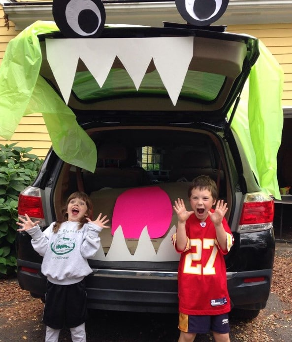 trunk or treat kids and car with teeth