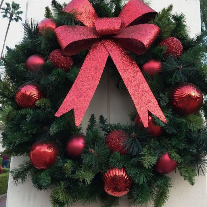 giant wreath red bow