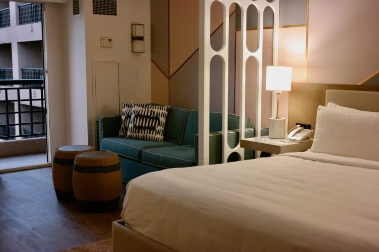 the room decor Renaissance Esmeralda Resort & Spa at Indian Wells