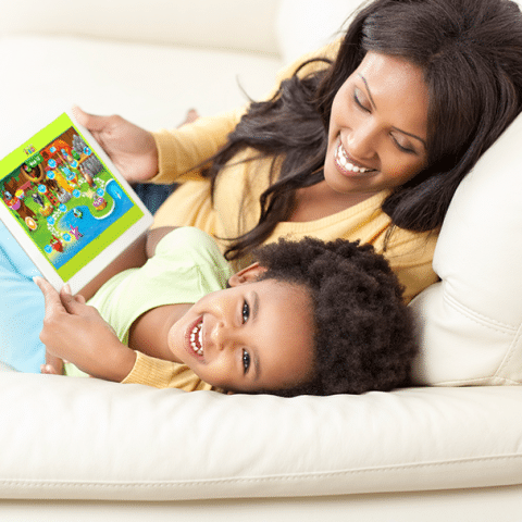 Reading-eggs-Happy-mom-and-Child
