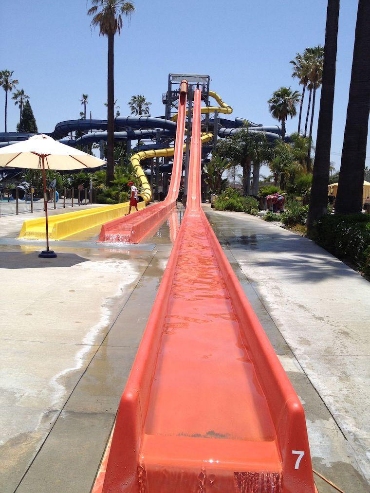 tall red water slide at knott's soak city