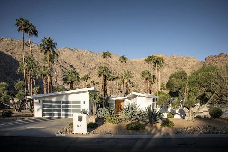 mountain views in desert vrbo