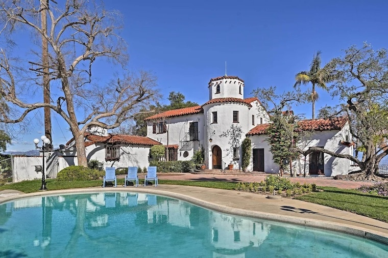 vrbo Spanish style Castle home with pool